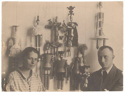 Sophie Taeuber and Hans Arp with puppets for <em>König Hirsch</em> (King Stag) by Carlo Gozzi, 1918